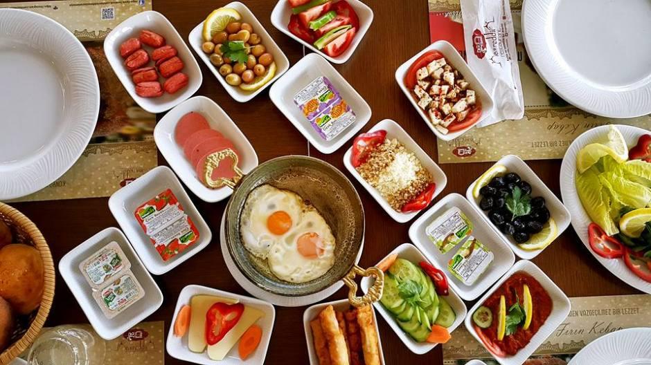 Antalya Kahvaltı Nasreddin Restaurant ta serpme kahvaltı  (12)