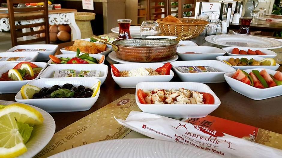 Antalya Kahvaltı Nasreddin Restaurant ta serpme kahvaltı  (8)