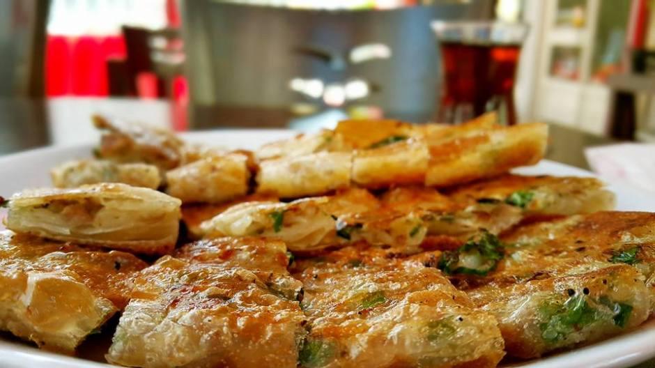 antalya serpme börek inci börek salonu antalya börekçi kahvaltı (1)