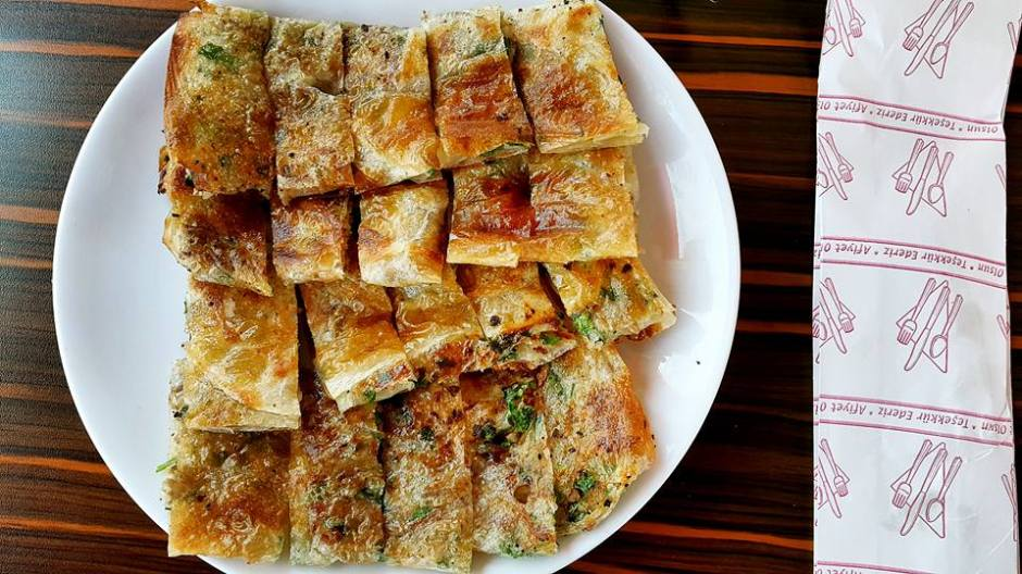 antalya serpme börek inci börek salonu antalya börekçi kahvaltı (10)