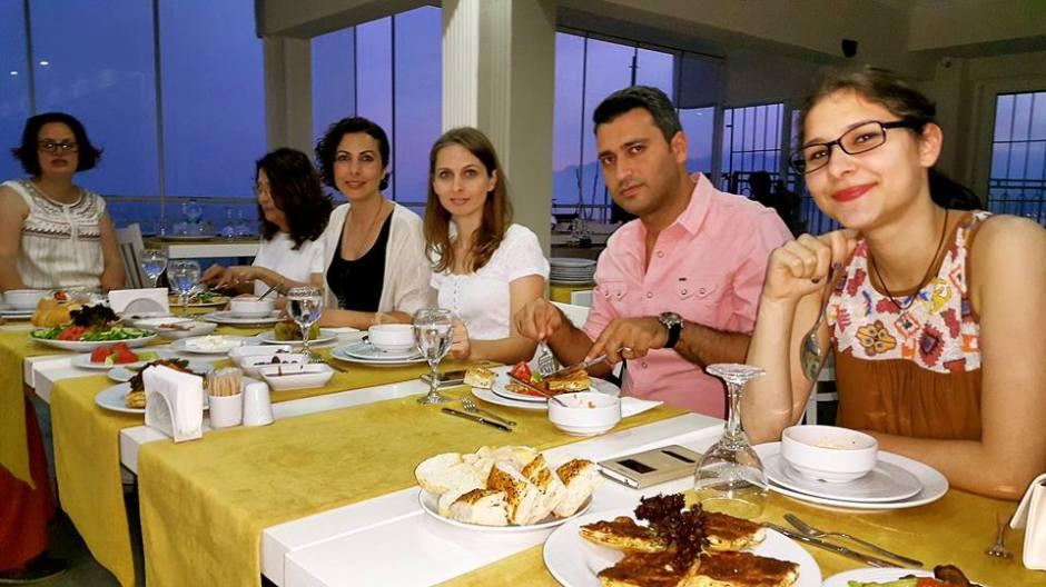 Kabare Saçıbeyaz Restaurant'ta Çağdaş Drama Derneği Antalya Temsilciliği iftar yemeği (2)
