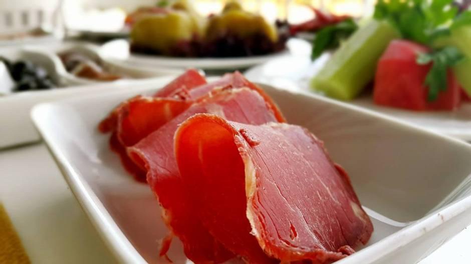 Kabare Saçıbeyaz Restaurant'ta Çağdaş Drama Derneği Antalya Temsilciliği iftar yemeği (5)