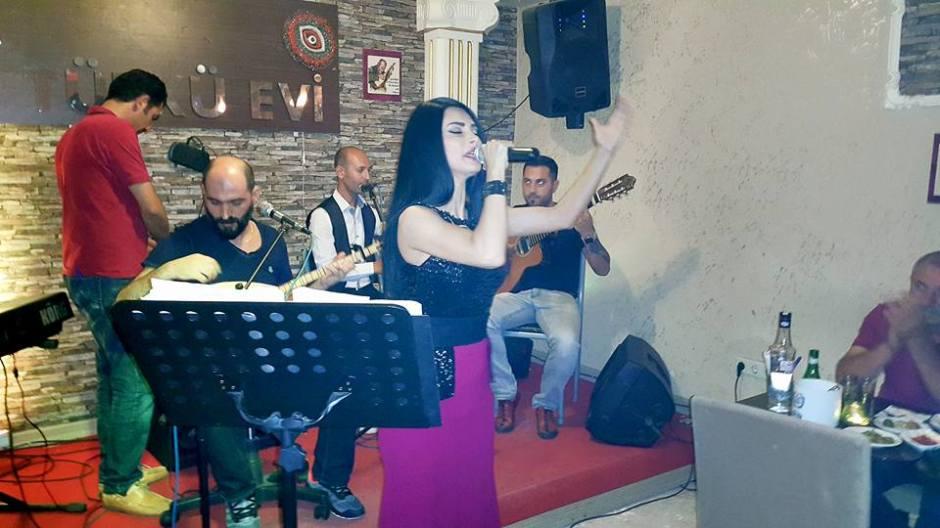 Sıla Türkü Evi Antalya Türkü Bar (14) Serpil Efe