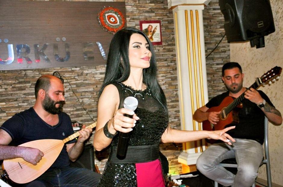 Serpil Efe - Sıla Türkü Evi Antalya Türkü Bar (12)