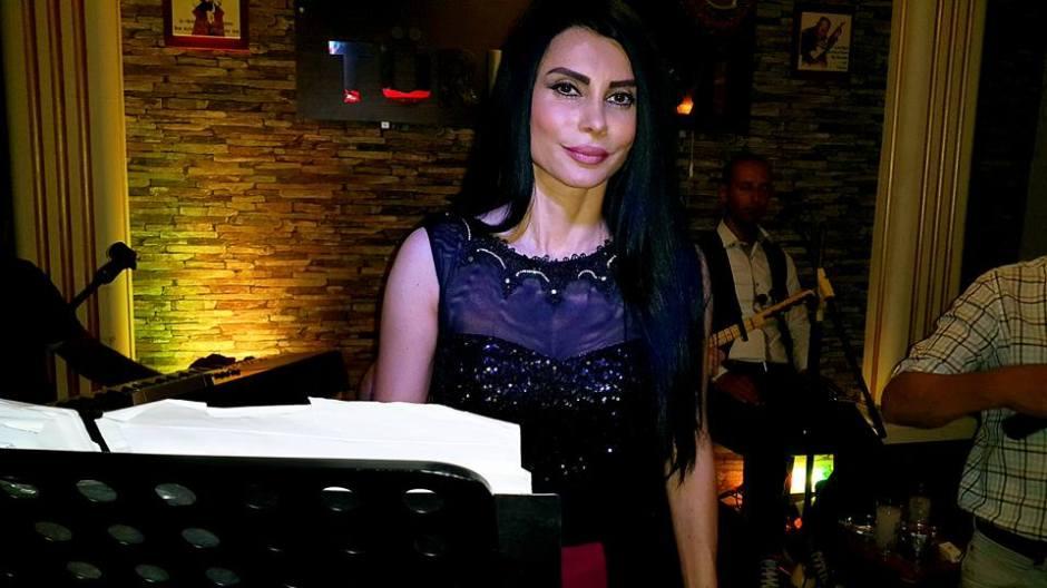 Serpil Efe - Sıla Türkü Evi Antalya Türkü Bar (5)