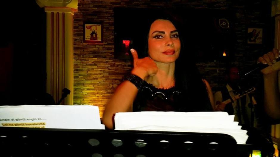 Serpil Efe - Sıla Türkü Evi Antalya Türkü Bar (9)