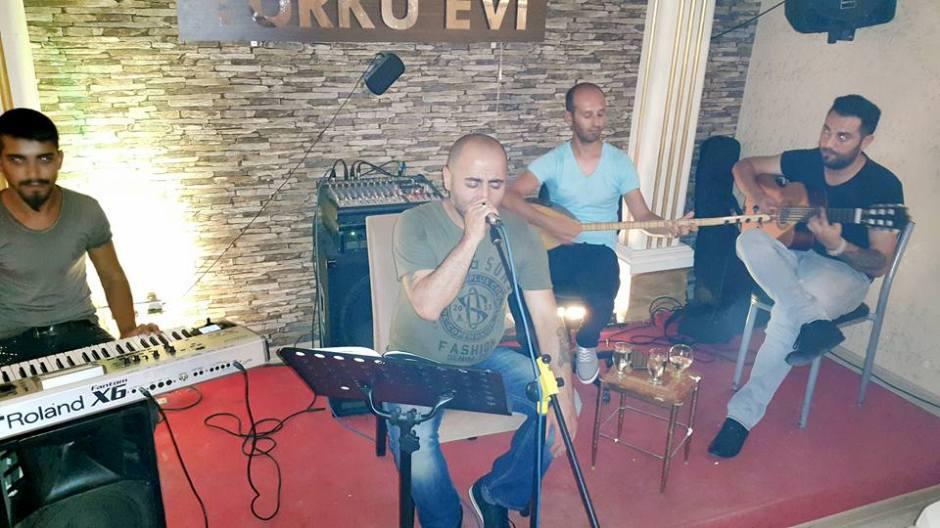 Antalya Canlı Müzik Mekanları 0555 892 9682 türkü evi gece hayatı antalya fasıl  (4)
