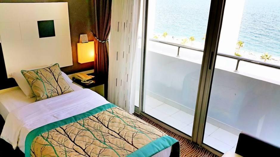 Antalya Merkez Oteller 0242 2288900 denize kenarında oda kahvaltı deniz manzaralı (1)