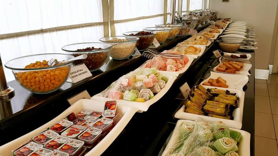 Antalya otelde  kahvaltı 0242 228 8900 Blue Garden Hotel Antalya Şehir İçi Otelleri (21)