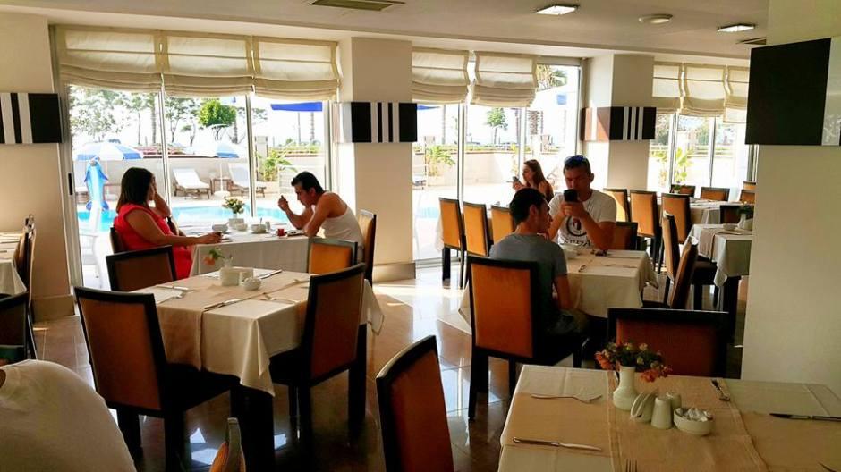 Antalya Oteller 0242 2288900 rezervasyon denize sıfır deniz manzaralı  (3)