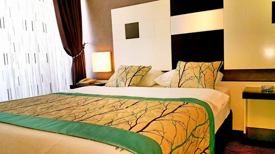 Antalya Tavsiye Edilen Oteller 0242 2288900 aile oteli açık büfe kahvaltı deniz manzaralı (3)