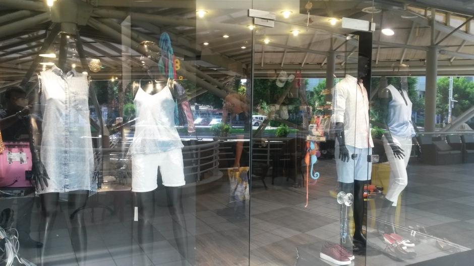 Antalya Giyim Mağazaları Beyaz Outlet (3)
