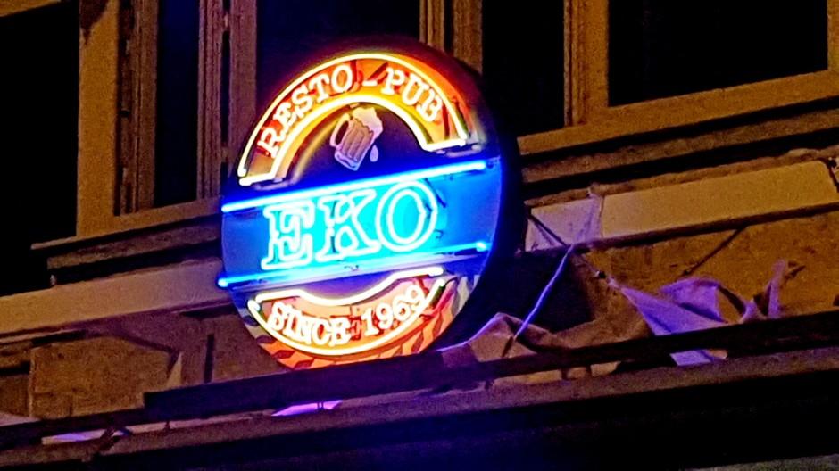İzmir Alsancak Cafe Pub 02324214459 (1)
