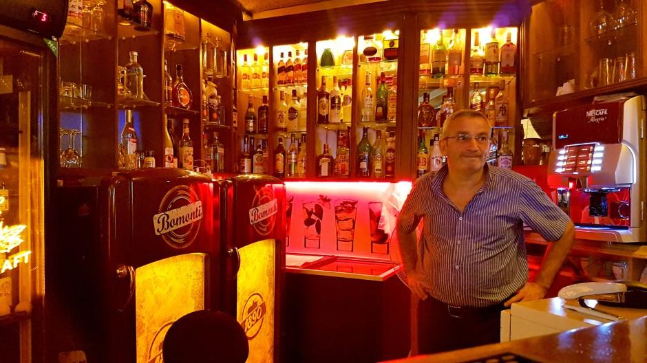 İzmir Alsancak Cafe Pub 02324214459 (2)