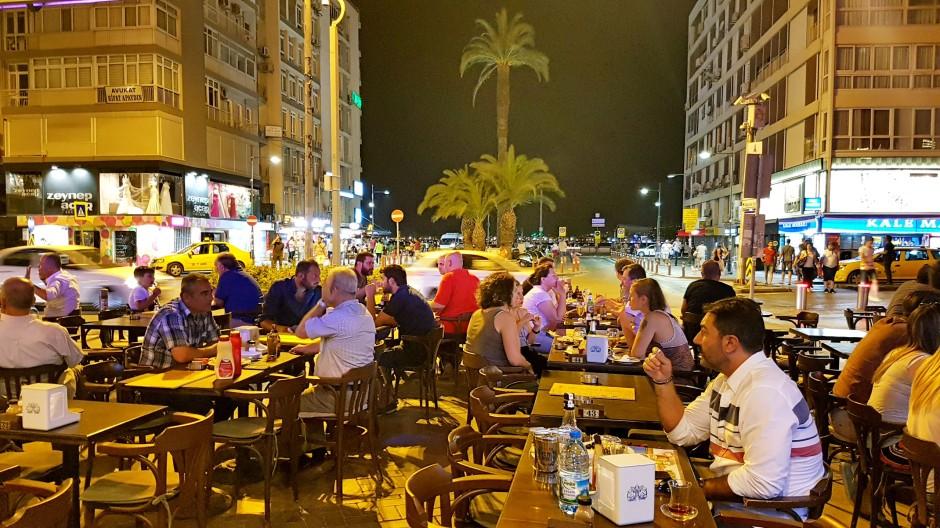 İzmir Alsancak Cafe Pub 02324214459 (4)
