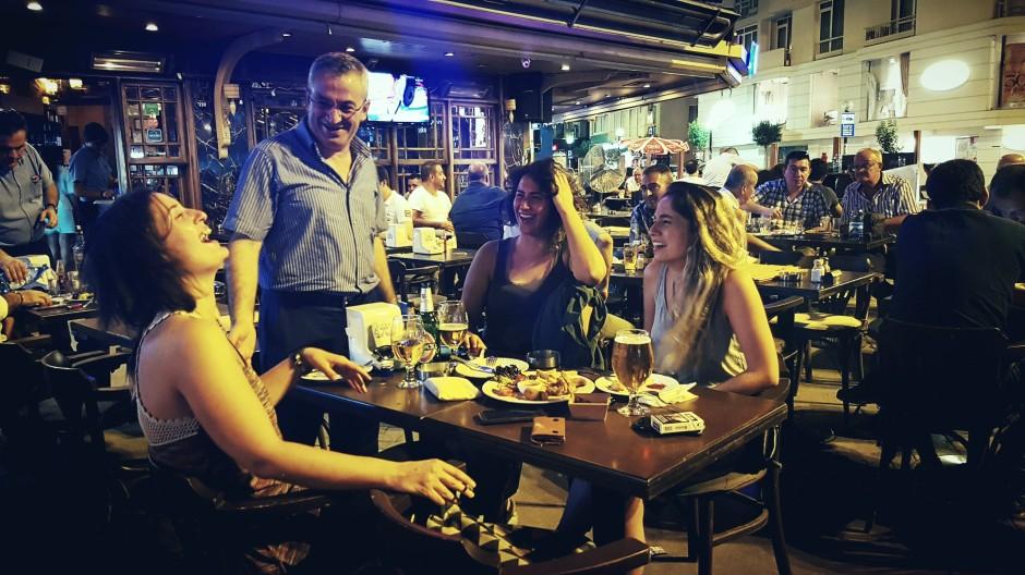 İzmir Alsancak Cafe Pub 02324214459 (6)