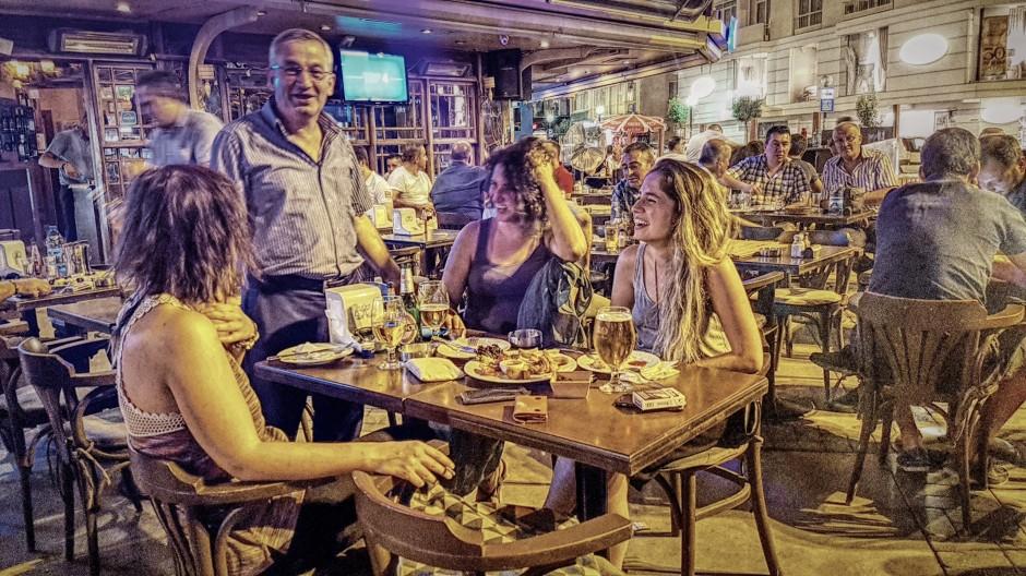 İzmir Alsancak Cafe Pub 02324214459 (8)