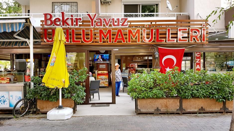 İzmir Bayraklı Pastane 02323435976 fırın unlu mamüller yaş pasta bayraklı kahvaltı mekanları (1)