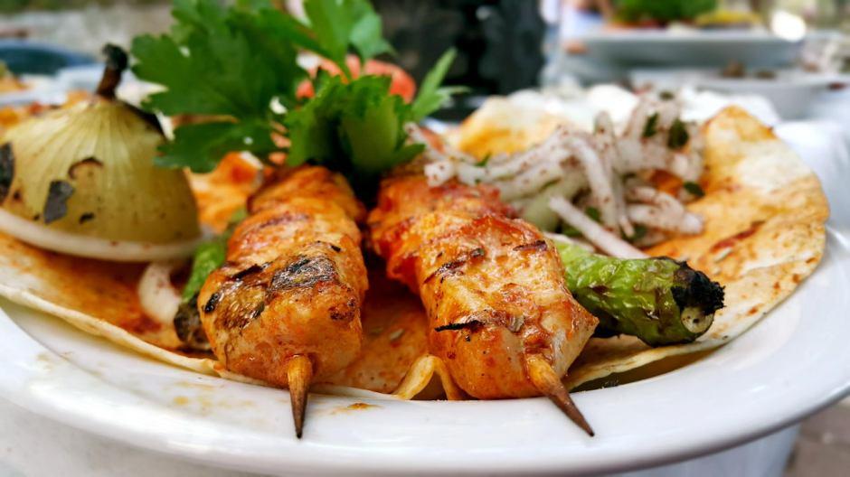 meselik-restoran-antalya-raki-balik-zengin-meze-cesitleri-alkollu-restaurantlar-serpme-kahvalti-13