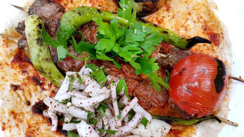 meselik-restoran-antalya-raki-balik-zengin-meze-cesitleri-alkollu-restaurantlar-serpme-kahvalti-15