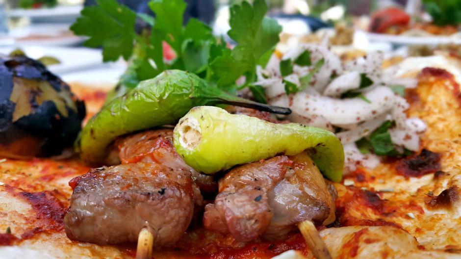 meselik-restoran-antalya-raki-balik-zengin-meze-cesitleri-alkollu-restaurantlar-serpme-kahvalti-17