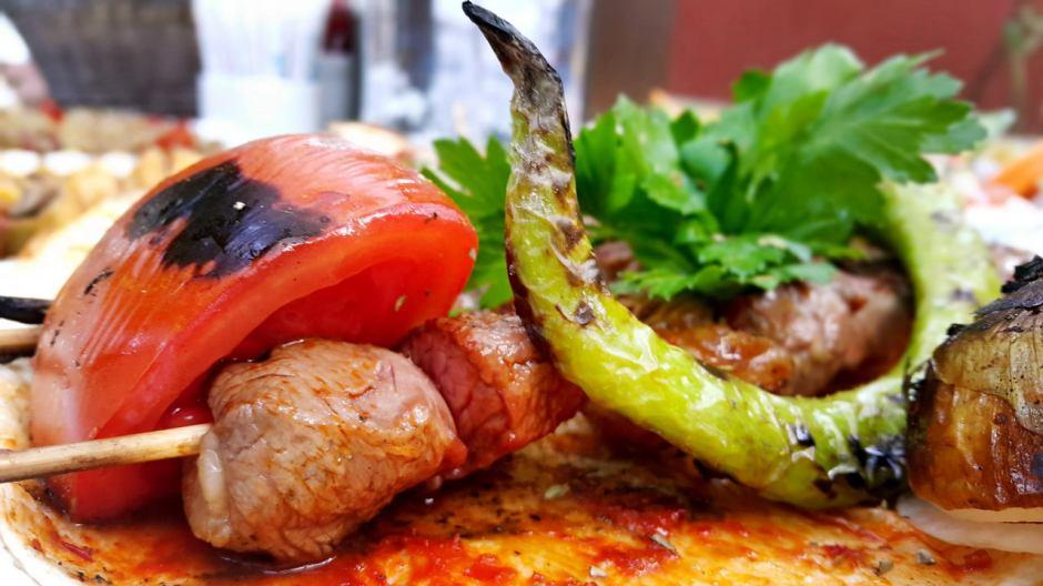 meselik-restoran-antalya-raki-balik-zengin-meze-cesitleri-alkollu-restaurantlar-serpme-kahvalti-18
